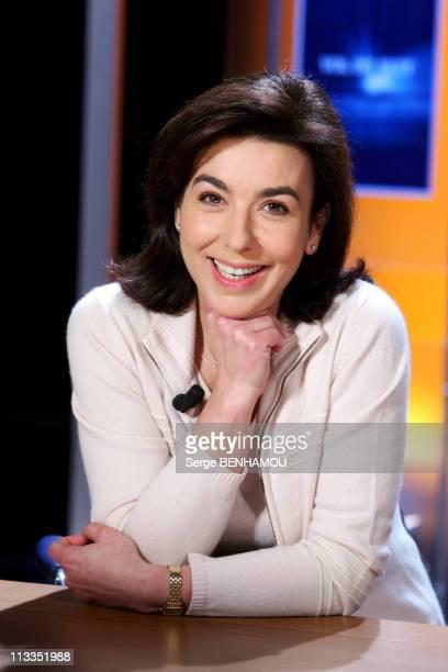 Vol De Nuit Tv Show In Paris France On November 15 2006 Carole Amiel