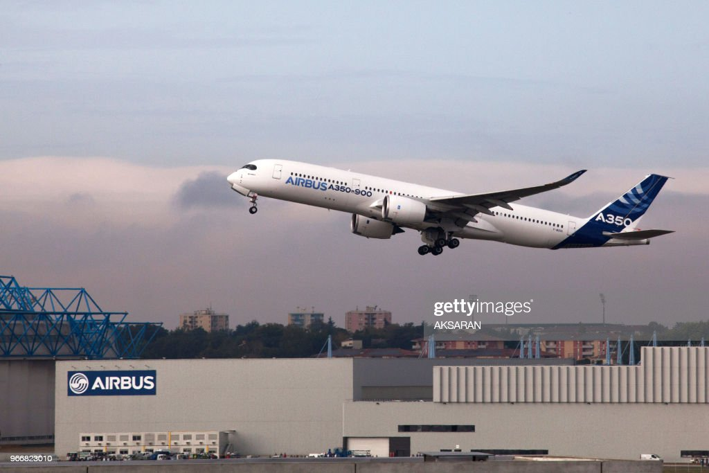 Airbus A350 Prpare Sa Certification Internationale Pictures Getty