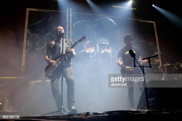 Volbeat 'Seal the Deal and Lets Boogie'Tour Michael Schøn Poulsen Rob Caggiano Kaspar Boye Larsen und Jon Larsen LanxessArena Köln