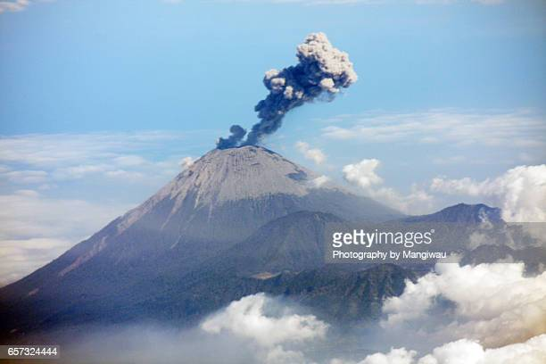 volcanic eruption - stratovolcano stock photos and pictures