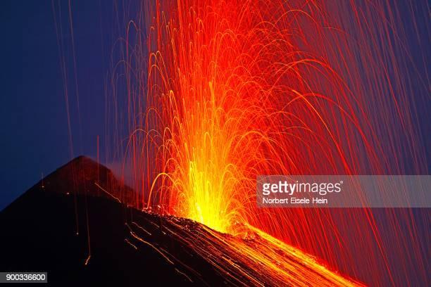 volcanic eruption, stromboli volcano, stromboli island, lipari islands, italy - volcanic activity stock pictures, royalty-free photos & images