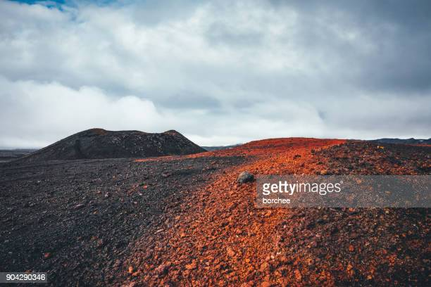 volcanic landscape in iceland - volcanic landscape stock pictures, royalty-free photos & images