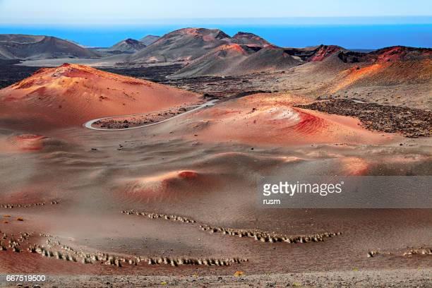 volcanic landscape, timanfaya national park, lanzarote, canary islands - timanfaya national park stock pictures, royalty-free photos & images