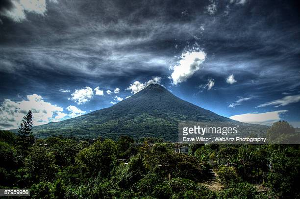 volcano agua, guatemala - dave wilson webartz stock pictures, royalty-free photos & images