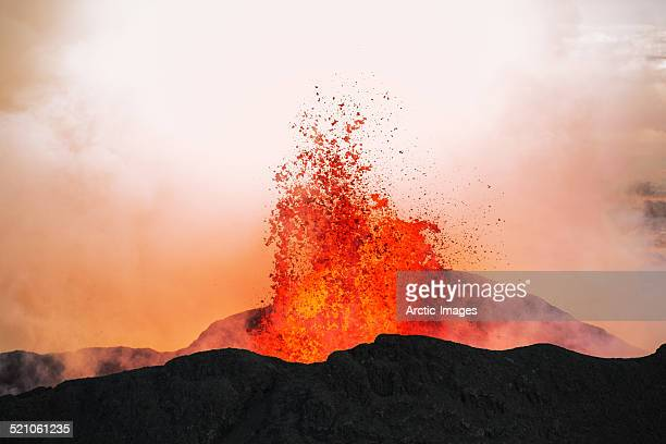 volcano eruption, holuhraun, bardarbunga, iceland - lava stock pictures, royalty-free photos & images