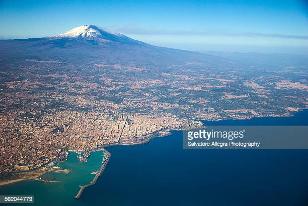 volcano etna and gulf of catania - mt etna stock pictures, royalty-free photos & images