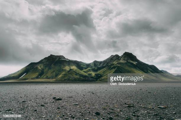 volcano in iceland - volcanic crater stock pictures, royalty-free photos & images