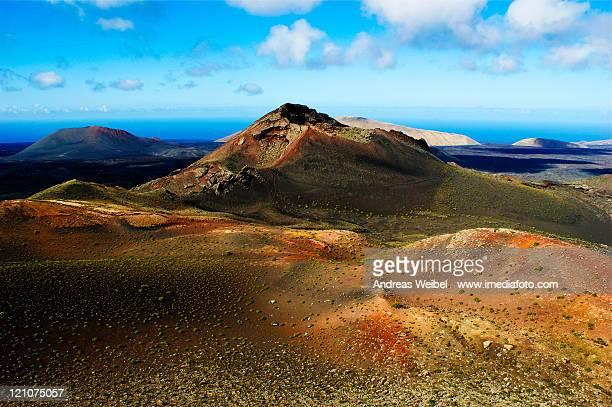 volcano pico partido at timanfaya - timanfaya national park stock pictures, royalty-free photos & images