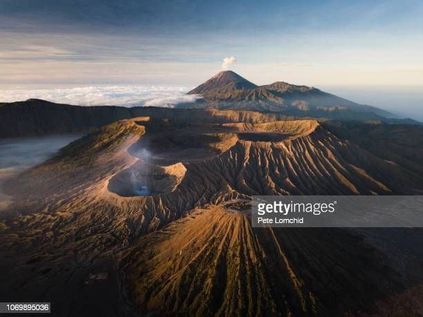 bromo volcano - active volcano stock pictures, royalty-free photos & images