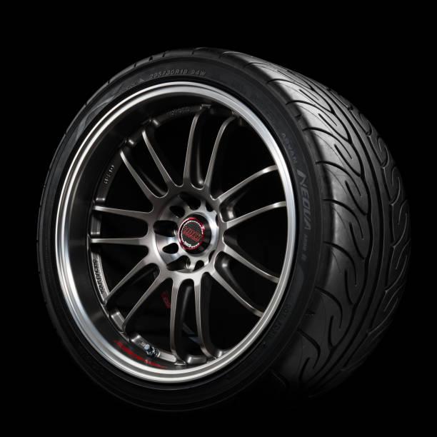 Volk RE30 and Yokohama ADVAN Neova AD08R tire