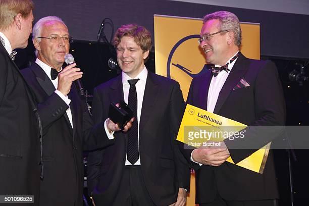 Volker Bouffier Franz Beckenbauer Michael Steinbrecher Mitarbeiter Deutsche Lufthansa AG Gala 29 Deutscher Sportpresseball Alte Oper Frankfurt Hessen...