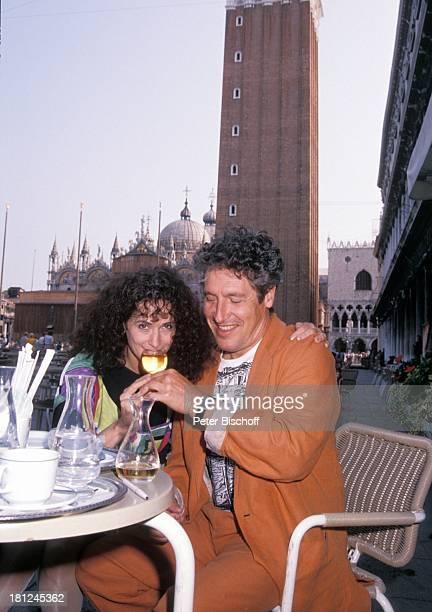 Volker Brandt Ehefrau Donna neben den Dreharbeiten zur PRO 7 Serie Glueckliche Reise Folge 13 Italien Venedig/Italien nachgeholte Flitterwochen...