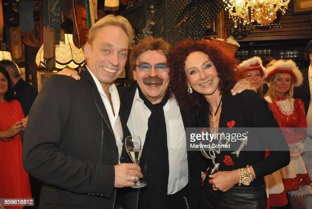 Volker Grohskopf Gerhard Bocek and Christina Lugner pose during the 2017 Golden Hans Moser Award at Marchfelder Hof on October 9 2017 in Deutsch...
