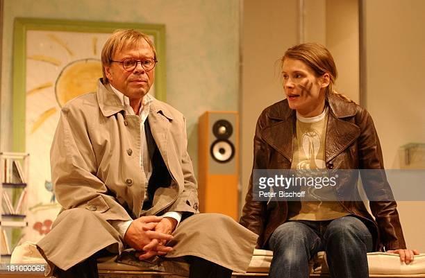 Volker Lechtenbrink Ehefrau Jeanette Arndt TheaterKomödie Einmal Sonne für Zwei Hamburg Komödie Winterhuder Fährhaus Schauspieler Schauspielerin...