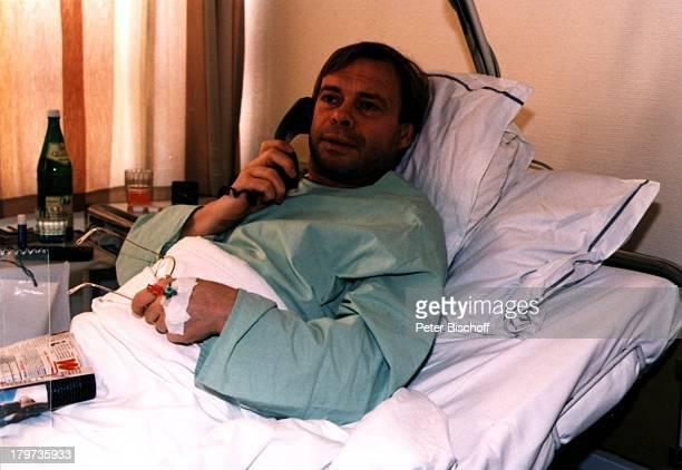 Volker Lechtenbrink, Krankenhaus, Leistenbruch-OP, Operation, Unfall, Krankheit, Telefon, Sänger, Promis, Prominenter, Prominente,