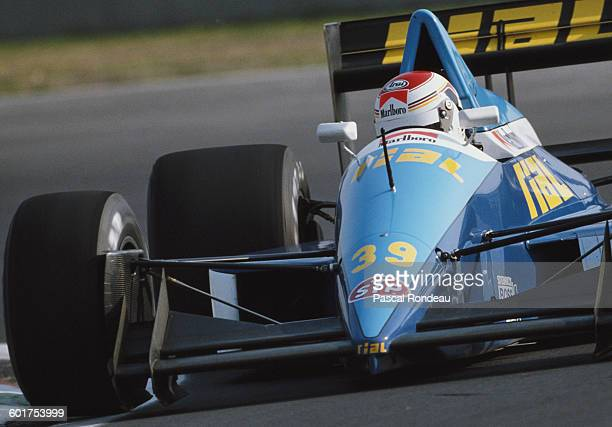 Volker Weidler of Germany drives the Racing Rial ARC2 Ford Cosworth DFR V8 during pre qualifying for the Mexican Grand Prix on 26 May 1989 at the...