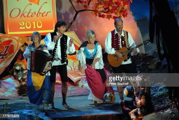 VolksmusikGruppe Die Schäfer ARDMusikShow Das Herbstfest der Volksmusik Messehalle Erfurt Thüringen Deutschland Europa Auftritt Bühne Akkordeon...