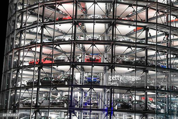volkswagen autostadt parking lot towers - volkswagen stock pictures, royalty-free photos & images