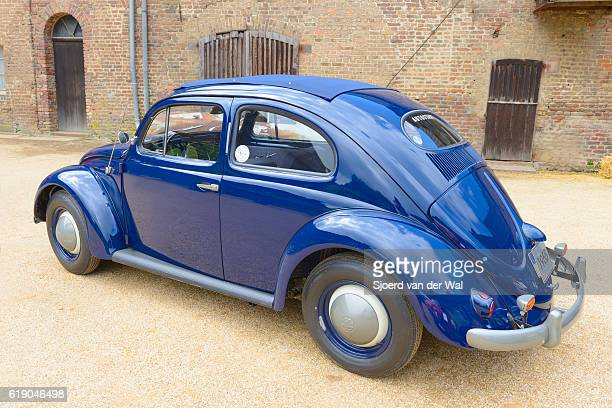 "volkswagen beetle or vw bug classic car - ""sjoerd van der wal"" photos et images de collection"