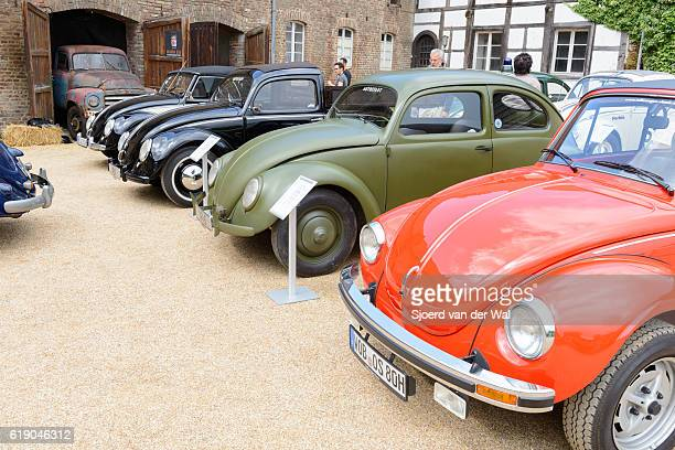 "volkswagen beetle or vw bug collection - ""sjoerd van der wal"" photos et images de collection"