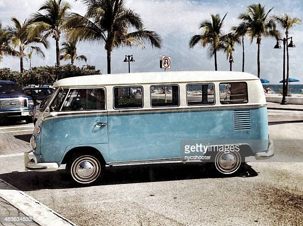 vw volkswagen bus - volkswagen stock pictures, royalty-free photos & images