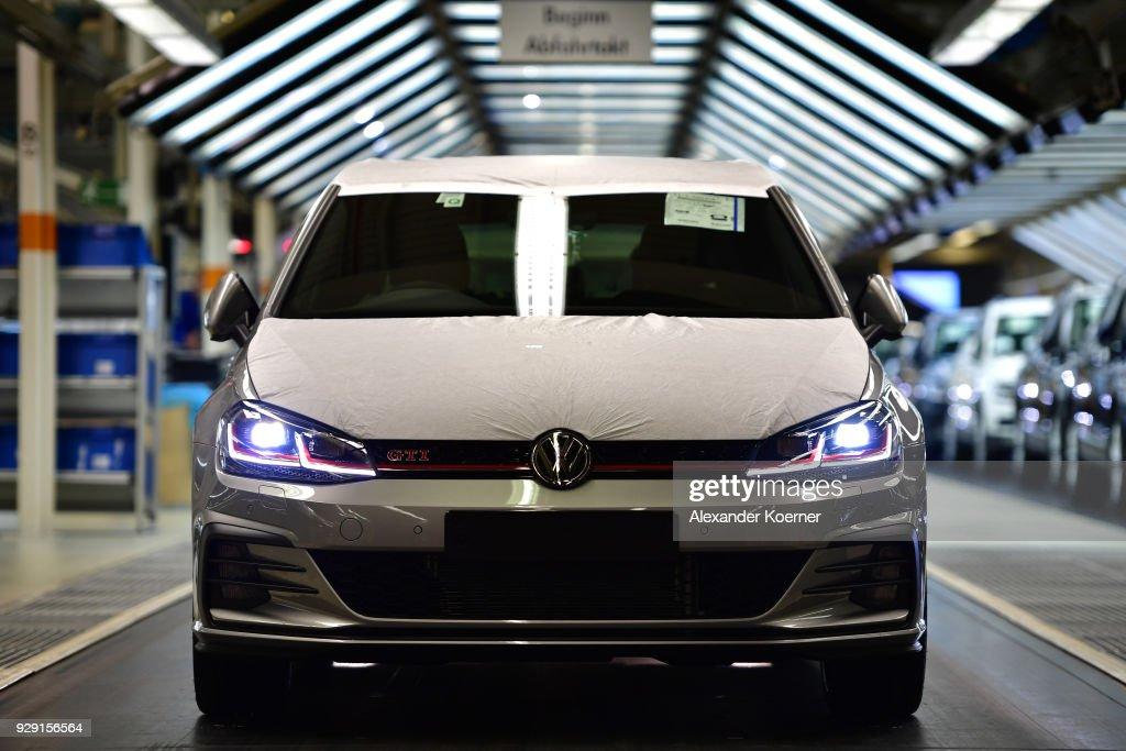 Trump Threatens EU With Tariffs On Cars : News Photo