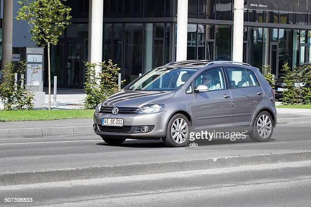 volkswagen golf plus - golf imagens e fotografias de stock