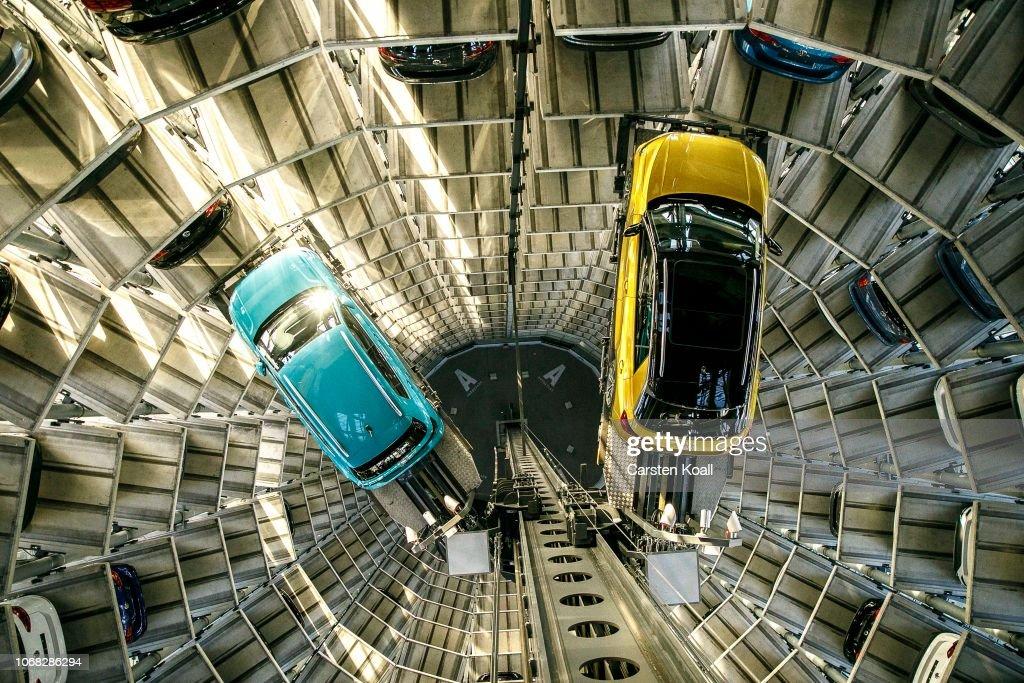 Volkswagen Warns Of Difficult 2019 : News Photo