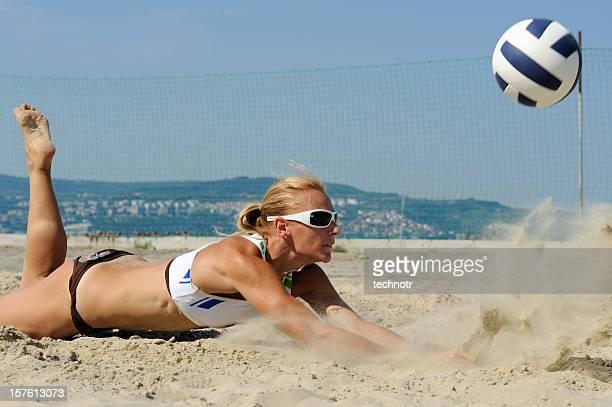 volley-ball de la défense - beach volley photos et images de collection