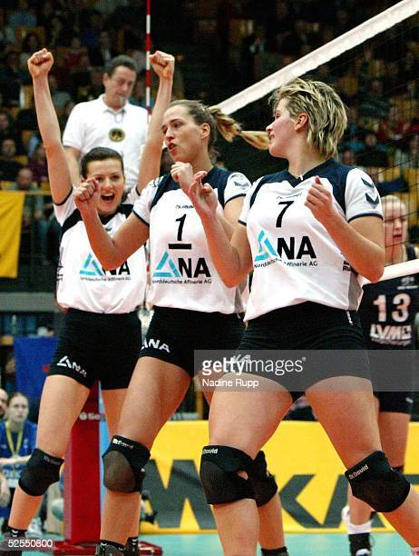 Volleyball / Frauen DVV Pokal 2004 Schwerin Finale TV Fischbek Hamburg USC Muenster 23 Elena KELDIBEKOVA DE WESTREICHER Christina BENECKE Nicole...