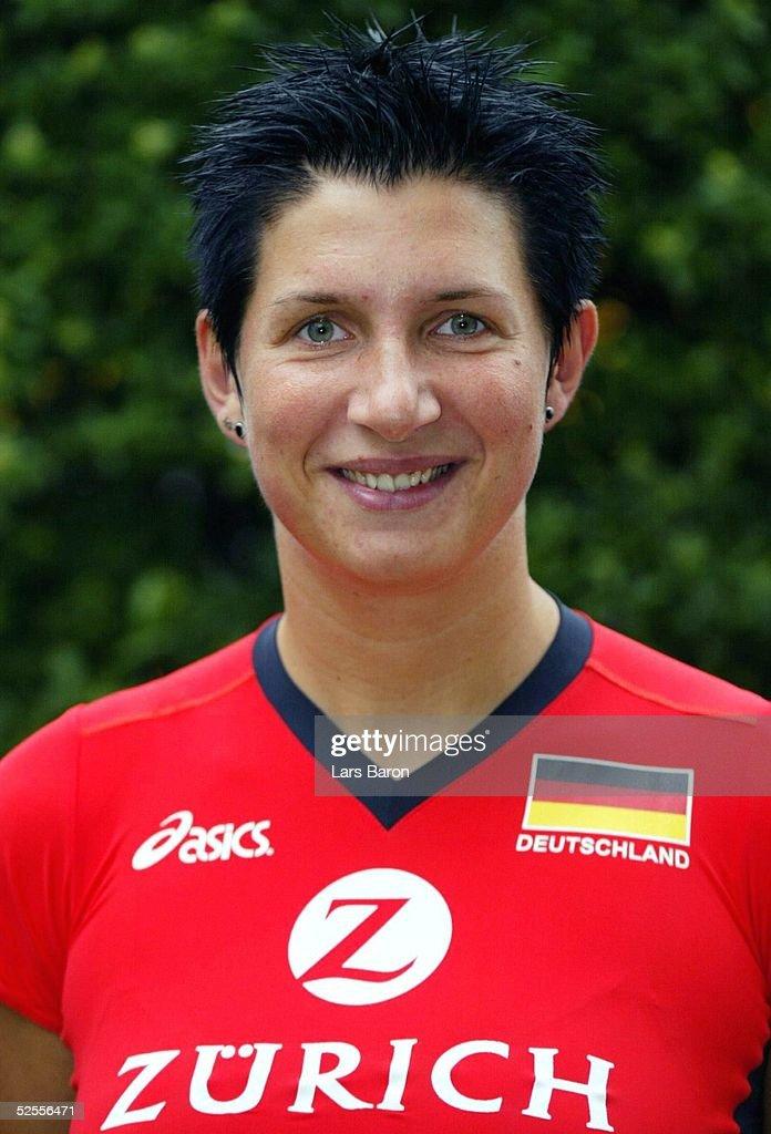 Volleyball/Frauen: NOK Feature : News Photo