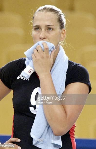 Volleyball / Frauen Olympische Spiele Athen 2004 Athen Gruppe B / China Deutschland 30 Christina BENECKE / GER 200804