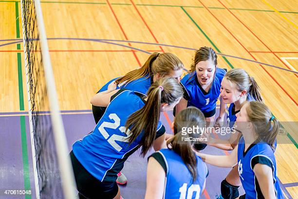 volleyball huddle cheer - chanting stock pictures, royalty-free photos & images