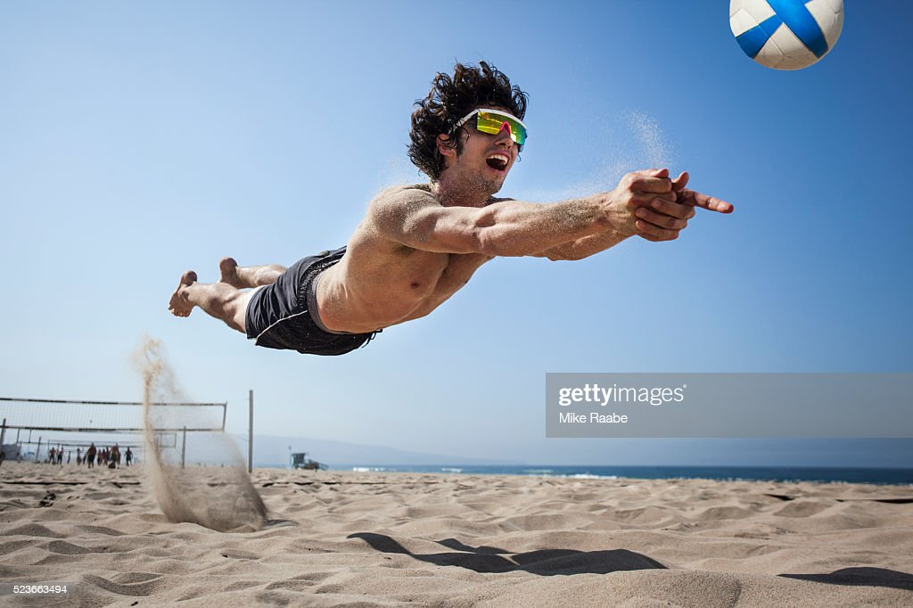 Volleyball in Manhattan Beach : Stock Photo