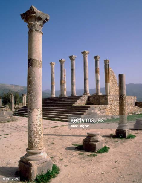 volubilis roman ruins in morocco - volubilis fotografías e imágenes de stock