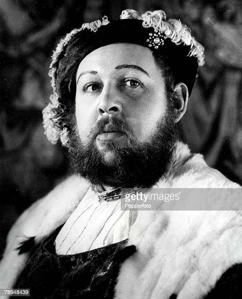Volume 2 Page 114 Picture Actor Charles Laughton as King Henry VIII