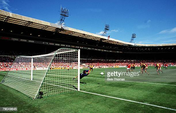 Wembley Stadium England FA Charity Shield 7th August 1993 Arsenal 1 v Manchester United 1 United win 54 on penalties Generic wide angle view of game...
