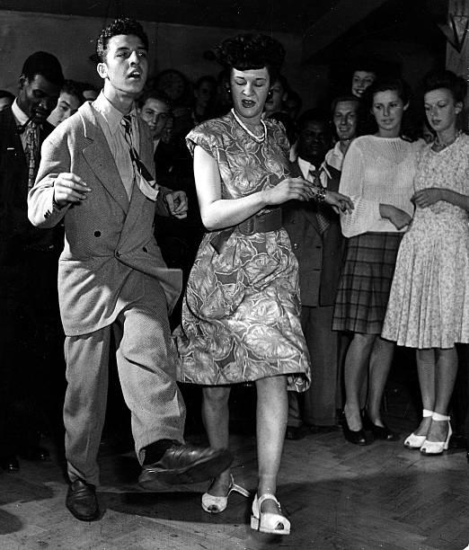Volume 2. Page 73. Pic 4. Dancing -The Jitterbug+. Feldman+s Club, London. 30th July 1947.