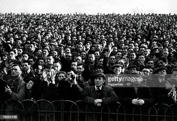 Volume 2Page 17 Pic 8 Football Crowd scene at the FA Cup 6th round tie when Arsenal lost 21 to Blackpool at Highbury 1953