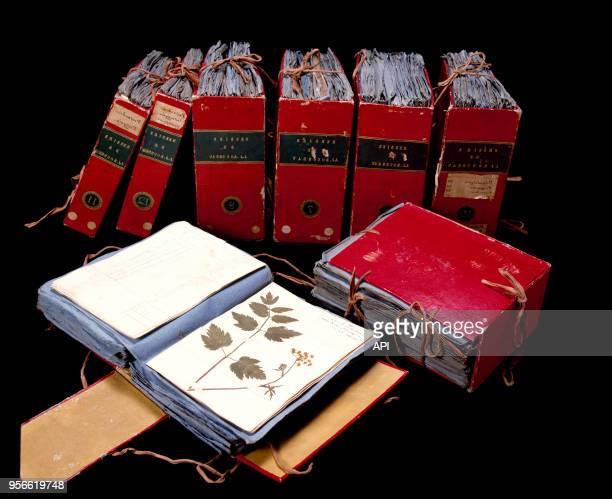 Volumes de botanique correspondant à l'herbier de JeanJacques Rousseau
