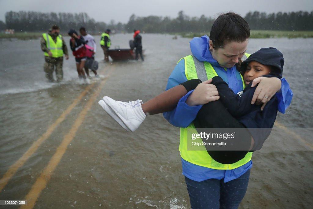 Hurricane Florence Slams Into Coast Of Carolinas : News Photo