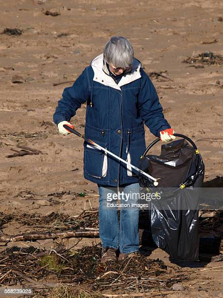 Volunteer beach cleaning, Summerleaze beach, Bude, Cornwall