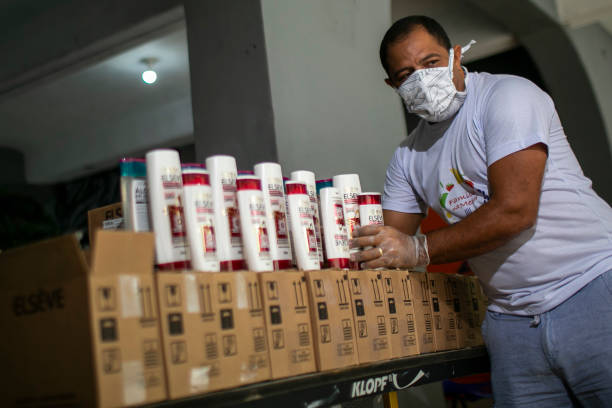 BRA: L'Oreal Starts Producing Hand Sanitizers and Distributing to Residents of Favela da Rocinha in Partnership with Projeto Social Familia na Mesa Amidst the Coronavirus (COVID - 19) Pandemic