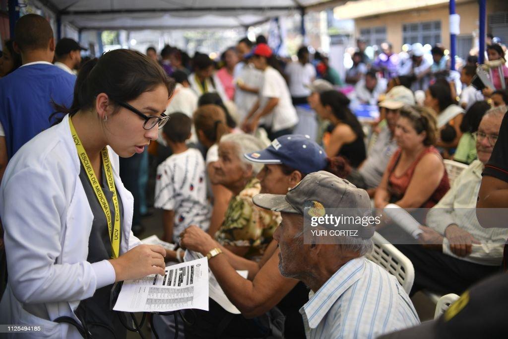 VENEZUELA-CRISIS-VOLUNTEERS : Fotografía de noticias