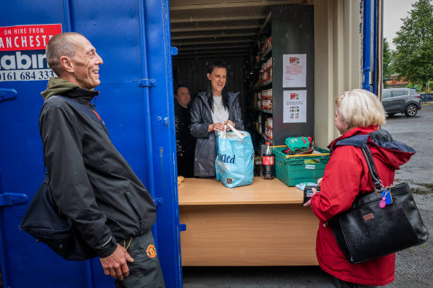 GBR: Shipping Container Becomes Food Bank In Stalybridge
