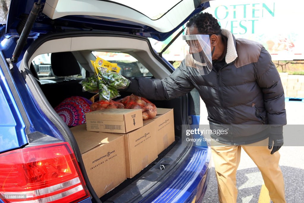 Detroit Area Food Bank Forgotten Harvest Delivers Around Detroit Area Through Its Mobile Pantry Service : News Photo