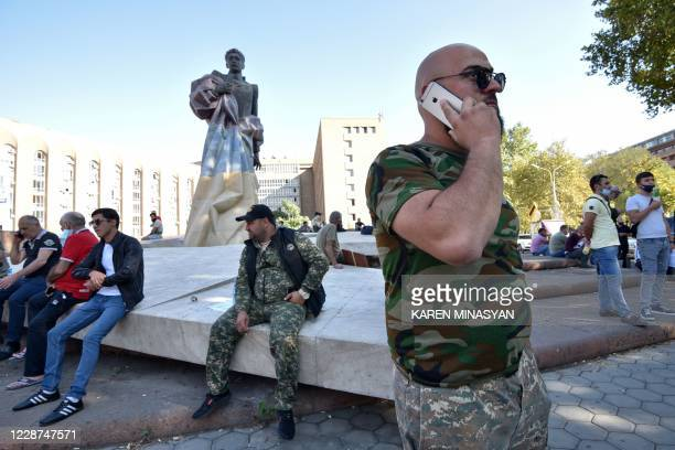 Volunteers and veterans, who are ready to go to the frontline in Nagorny Karabakh, gather in Yerevan on September 27, 2020. - Arch foes Armenia and...