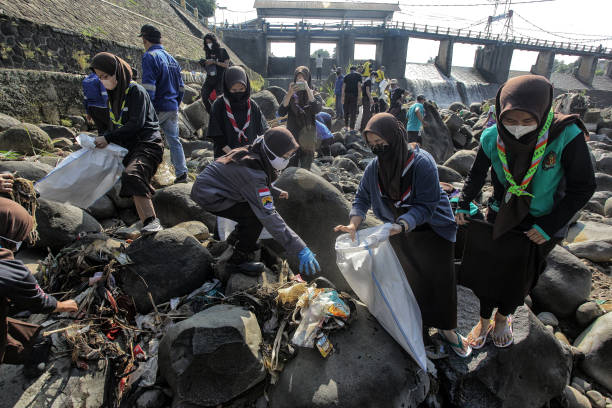 IDN: Volunteers Collect Waste Ahead Of World Cleanup Day 2021 In Indonesia