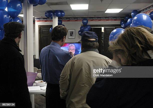Volunteers for Democratic presidential candidate Dick Gepahrdt in New Hampshire react after hearing the results of the Iowa primary