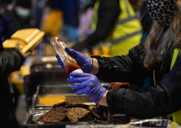 IRL: Homeless Mobile Run Providing Hot Meals In Dublin